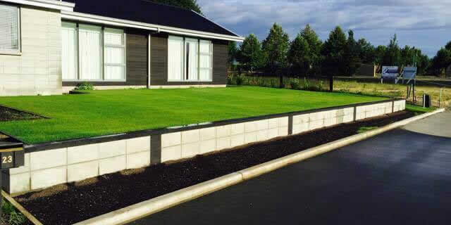 Block Wall & Hydro Mulch Lawn